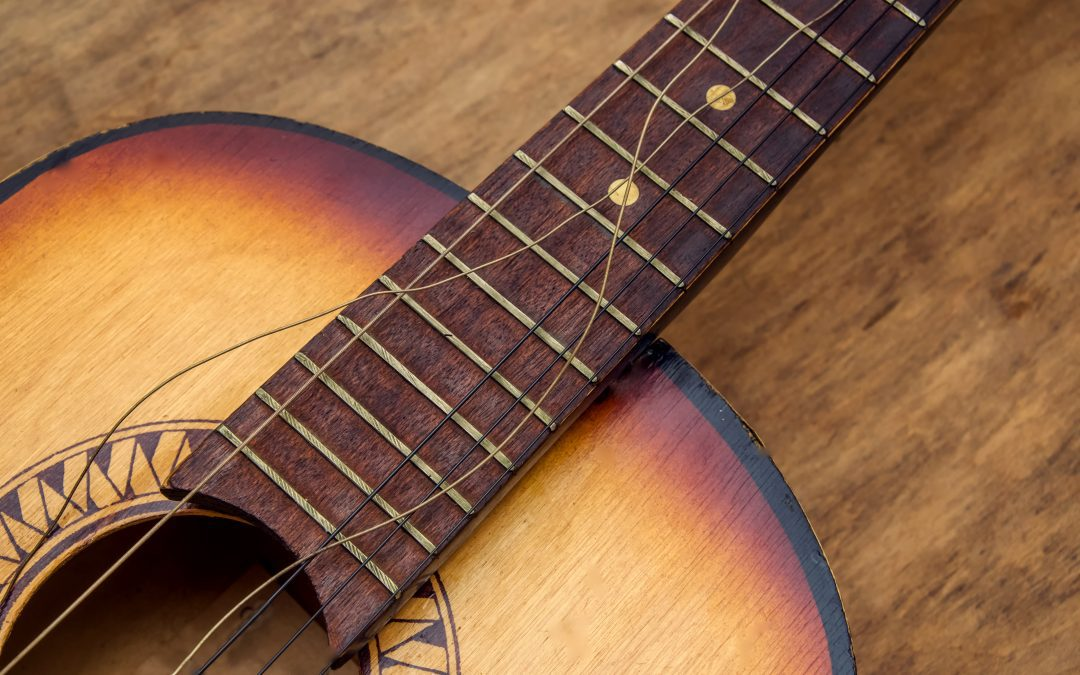 Guitar Strings: What causes it to break and How to prevent it?
